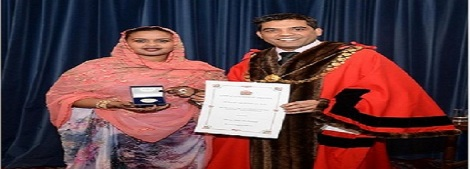Muna Abdi, BSF Chair, Receives Lord Mayor's Medal_26-Feb-14